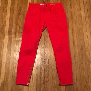 Red Gap legging jean. Zipper on inside of ankle